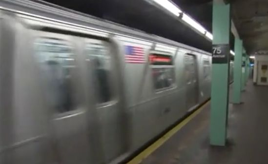 Subway rider stabbed in the chest while boarding F train in Queens