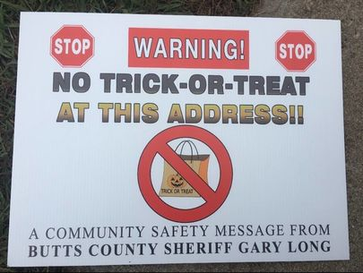Sheriff's office puts up 'No trick-or-treat' signs at sex offenders' homes