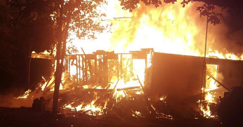 Arkansas woman Tasered while watching her house burn down