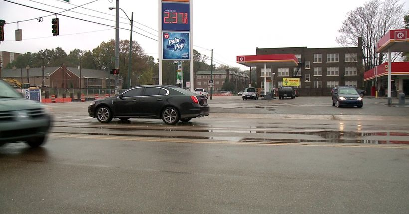 Police: Driver robbed at gunpoint after traffic collision in Midtown Memphis