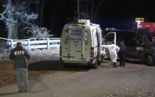 Woman's burned body found in park near Staten Island school by teens