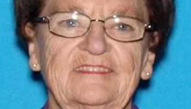 79-year-old woman killed by hit-and-run driver while picking up last-minute groceries for Thanksgiving