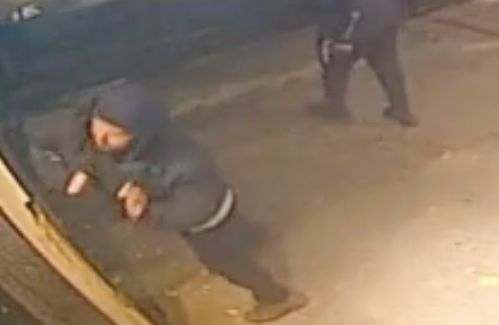 Video: Vandal smashes Manhattan synagogue message board