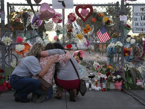Man charged after sending friends, family of Parkland victims threats: FBI
