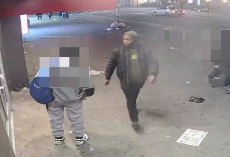 Man pistol-whips victims in series of robberies in Queens: Police