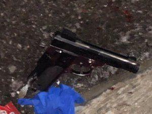 Police shoot gun-wielding man 3 times in Brooklyn