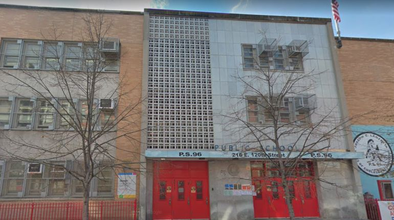 Mom slashes teenage girl in face after girl Tased her daughter in front of Harlem school