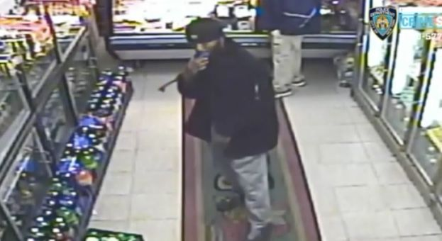 VIDEO: Man sought for groping woman in Brooklyn deli: Police