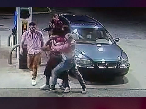 Spring-breakers turn tables on armed robbers in Florida