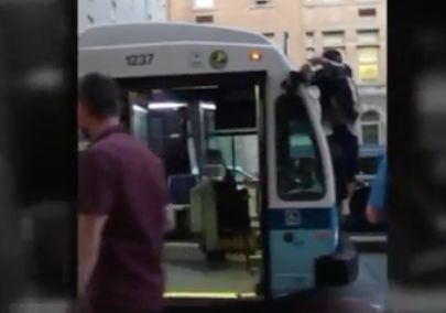 Video: Man on bus pulled down, tackled in apparent citizen's arrest