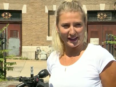 Former soldier chases down man who flashed her