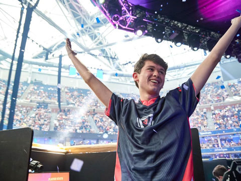 Teen Fortnite world champ 'swatted' during livestream