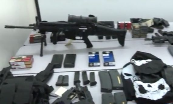 New York surgeon arrested with 5 assault rifles, body armor