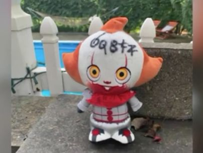Woman scared by Pennywise doll in yard burned it, slept with knife
