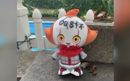 Woman scared by Pennywise doll in her yard says she burned it, slept with a knife
