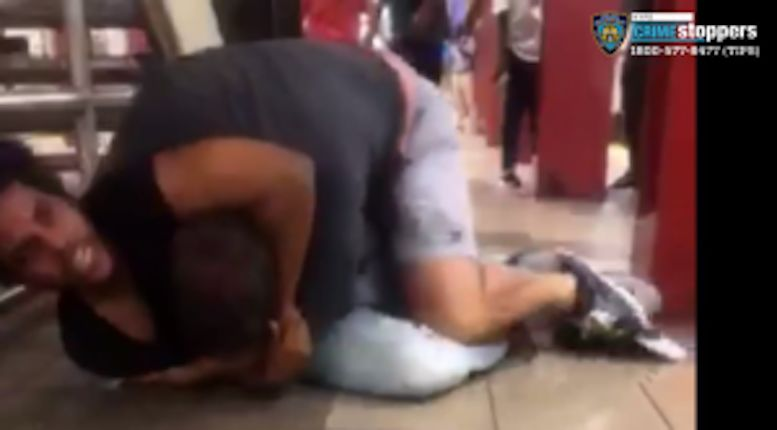 Man puts commuter in chokehold in unprovoked subway attack