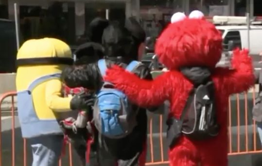 Man dressed as Elmo accused of groping teen girl in Times Square: Police