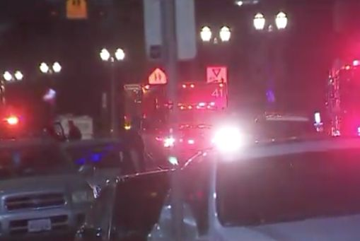 Multiple suspects sought in Hollywood double stabbing