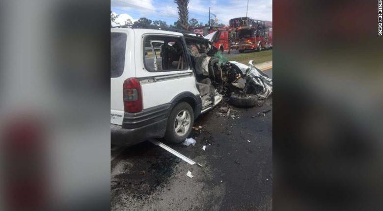 Mom told children to take off seat belts before purposefully crashing van, police say