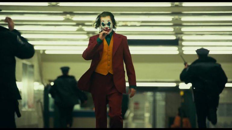 2 men arrested during 'Joker' screening at AMC theater in Chicago