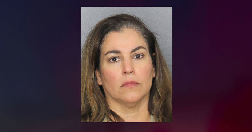 Florida woman arrested after reporting dead woman in driveway