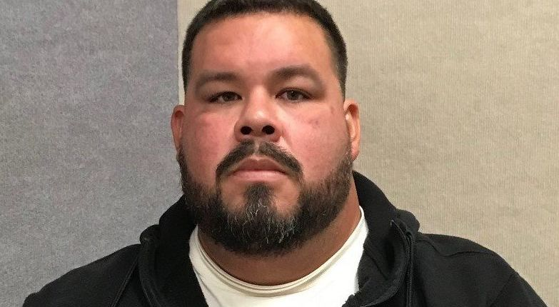 Simi Valley High School coach arrested after allegedly soliciting photos, having inappropriate relationship with student