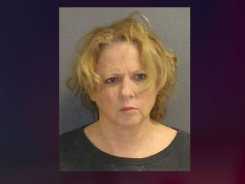76-year-old woman shoots daughter in self-defense: Deputies