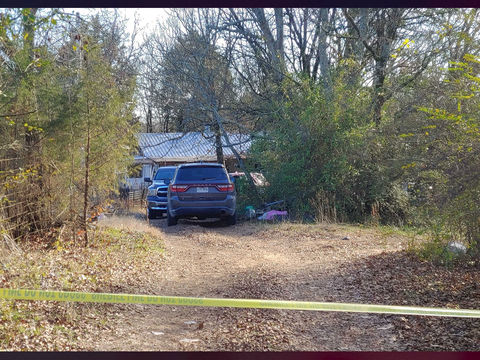 Bodies of 2 women, 3 girls found in Arkansas home on Christmas