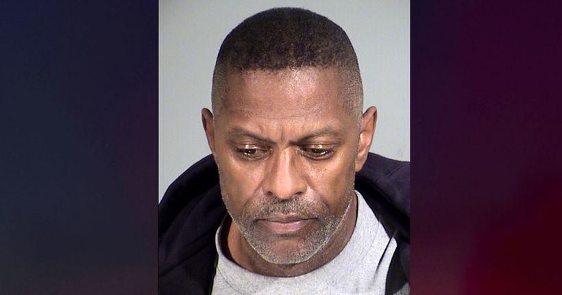 Retired Chicago Bear arrested in murder of Phoenix man